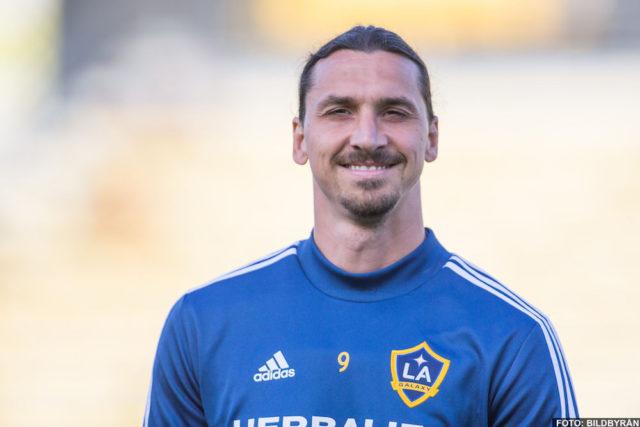 Fina gesten: Zlatan hyllade bortgångne målvakten