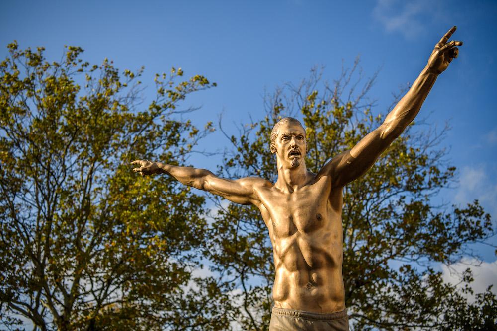 Zlatans om sin staty: