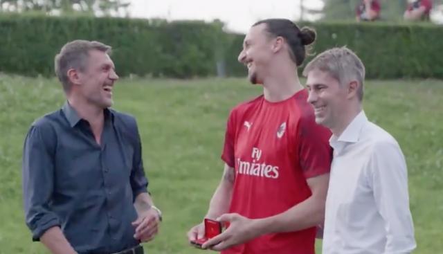 VIDEO: Zlatans tacktal får hela laget att skratta